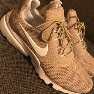 Nike Presto (size 8)